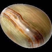 Poolvääriskivist muna, oonüks-marmor ca. 5×3,7cm (2163)2