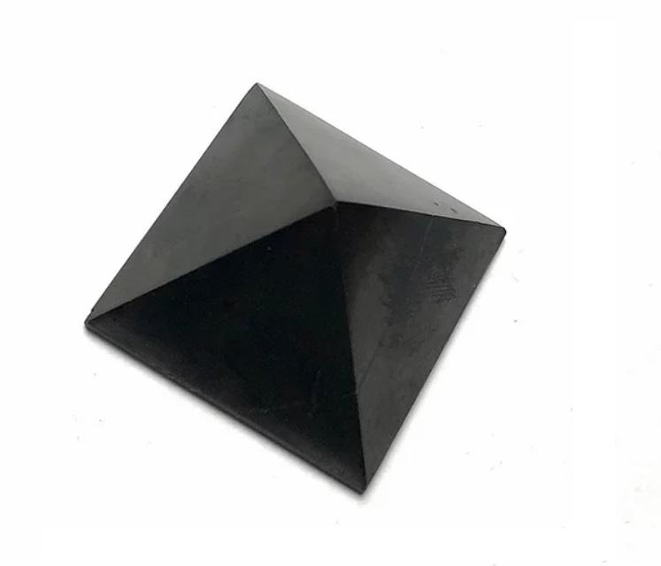 šungiit püramiid, 4cm