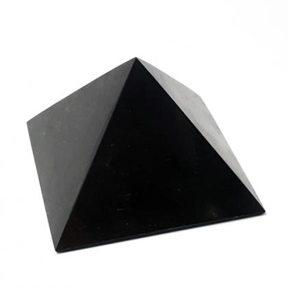 šungiit püramiid, 7cm (1367)